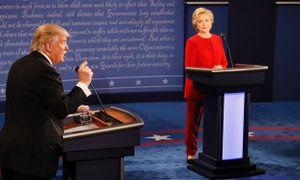 Thua tranh luận trực tiếp, Donald Trump đổ tại micro hỏng