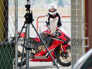 Mời xem hình chộp lén của Honda CBR 1000RR 2017 trên đường chạy thử
