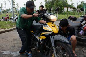 800 xe máy của sinh viên TP.HCM hư hỏng do ngập nước