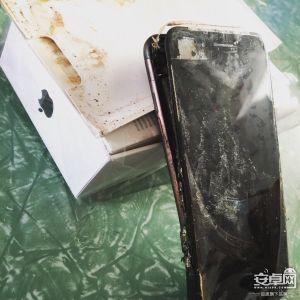 Chẳng riêng gì Galaxy Note 7, đến iPhone 7 cũng vừa phát nổ!