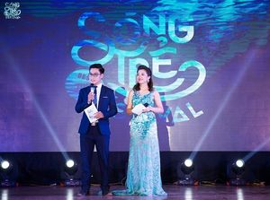 Soobin Hoàng Sơn, Hương Giang idol 'đốt cháy' đêm nhạc của sinh viên Báo chí