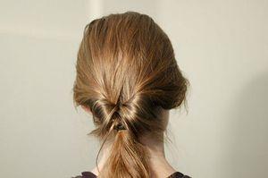 Cách búi tóc kiểu cổ điển, thanh lịch
