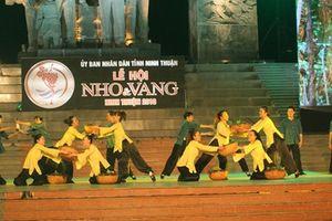 Hàng nghìn người dân dự lễ khai mạc lễ hội Nho và Vang tỉnh Ninh Thuận 2016