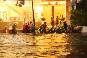 Ngập nước ở TP.HCM: Người dân có thể thích nghi nhưng không thể chịu đựng mãi