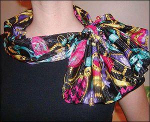 Cách thắt khăn quàng cổ sành điệu