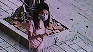 Camera 'tố' cô gái trộm xe Vespa LX trong 3 phút