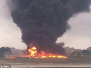 Máy bay lao xuống đất, nổ tung như 'quả bóng lửa khổng lồ' ở Malta