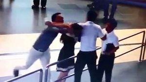 Sa thải thanh tra giao thông hành hung nhân viên hàng không