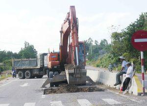 Quốc lộ 1 mới liên tục bị hư hỏng