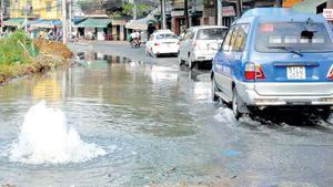 Bể ống nước khi thi công Metro, nhiều nơi trung tâm Sài Gòn cúp nước