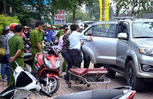 Người đàn ông nước ngoài tử vong trong ôtô ở Sài Gòn