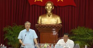 Đoàn Kiểm tra của Bộ Chính trị làm việc với Thành ủy Cần Thơ