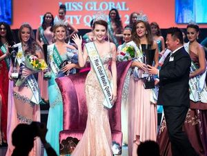 Việt Nam đăng quang Nữ hoàng Sắc đẹp Toàn cầu 2016