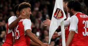 Sao trẻ lập cú đúp nhờ tiền đạo kiến thiết, Arsenal vào tứ kết Cúp Liên Đoàn