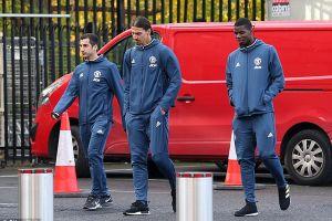 Ibrahimovic bất ngờ chọc ngoáy Man City trước derby Manchester