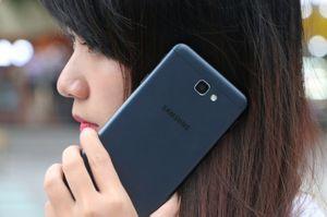 Đại chiến doanh số giữa Galaxy J7 Prime và Oppo F1s