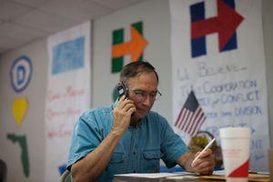 Văn phòng tranh cử của Clinton trong ngày bỏ phiếu sớm