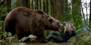3 người bá đạo nhất lịch sử: Tay không giết gấu khổng lồ