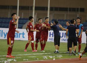'Ai nghĩ Việt Nam đánh bại được Nhật Bản, giơ tay!'