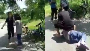 Phẫn nộ clip nữ sinh đánh bạn dã man, bắt quỳ xuống liếm chân mới 'tha chết'