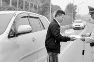 Sớm khắc phục những bất cập trên đường cao tốc Nội Bài - Lào Cai