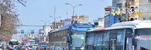 Người Hà Nội đổ về quê ngày 28 Tết, nhiều đường tắc kinh hoàng