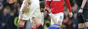 Zouma dính chấn thương nặng ở trận Chelsea 1-1 M.U