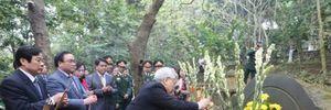 Tổng bí thư dâng hương tưởng niệm Bác Hồ tại Khu di tích K9