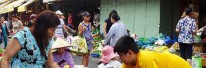 Sài Gòn rau tăng giá gấp 3, bà nội trợ nhăn nhó