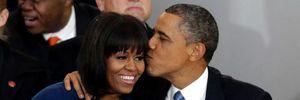 Tấm ảnh Obama đích thân ra sân bay đón vợ khiến người ta thêm tin vào tình yêu đôi lứa