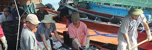 Ngư dân Quảng Bình tấp nập ra khơi