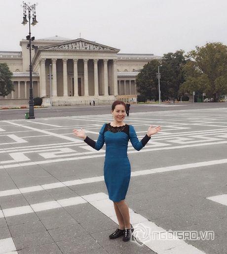 Nu hoang doanh nhan Kim Chi dep rang ro giua chau Au hoa le - Anh 4