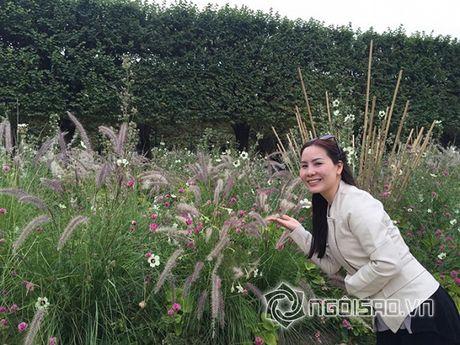 Nu hoang doanh nhan Kim Chi dep rang ro giua chau Au hoa le - Anh 9