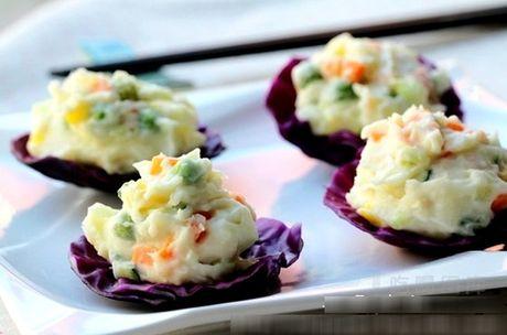 Giảm cân đón Tết với 4 món salad dễ làm