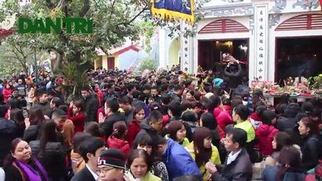 Lòng tham của người Việt khiến đền chùa quá tải vào đầu năm?