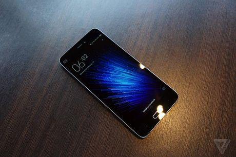 Le Max Pro vs. Xiaomi Mi5: Cấu hình siêu khủng, giá 7 triệu, bạn chọn điện thoại nào?