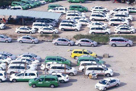 Vì sao cước taxi khó giảm?