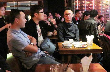 "Samsung Galaxy S7 van choi nhac, phat video khi bi ""hanh ha"" duoi nuoc - Anh 7"