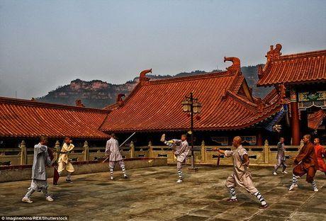 Canh luyen vo gian truan trong chua Thieu Lam o TQ - Anh 4