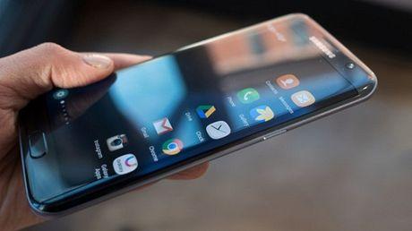 Samsung tung ban cap nhat sua loi cam ung cho Galaxy S7 Edge - Anh 1
