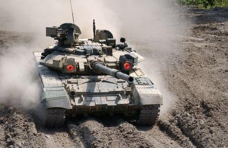 "Tang T-90 Viet Nam tinh mua - ""hung than"" uy manh tren chien truong - Anh 1"