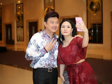 Tran Thanh - Hari Won lan dau tien ngoi ghe nong cung nhau - Anh 3