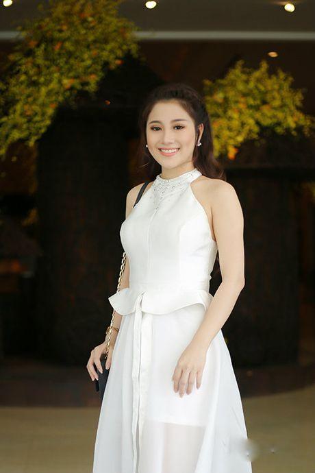 Tran Thanh - Hari Won lan dau tien ngoi ghe nong cung nhau - Anh 5