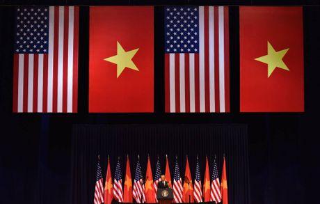 Tuong thuat Obama phat bieu truoc gioi tre Viet Nam - Anh 5