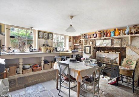 Bên trong biệt thự bỏ hoang 126 năm rao bán 3 triệu bảng