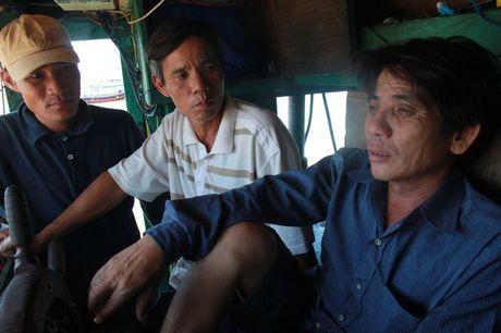 Tau Trung Quoc tong tau ca Viet Nam o Hoang Sa - Anh 6