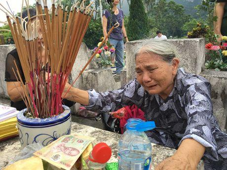 Dam le nghia trang liet si Vi Xuyen ngay gio tran Su 356 - Anh 1