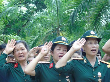 Dam le nghia trang liet si Vi Xuyen ngay gio tran Su 356 - Anh 4