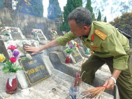 Dam le nghia trang liet si Vi Xuyen ngay gio tran Su 356 - Anh 8