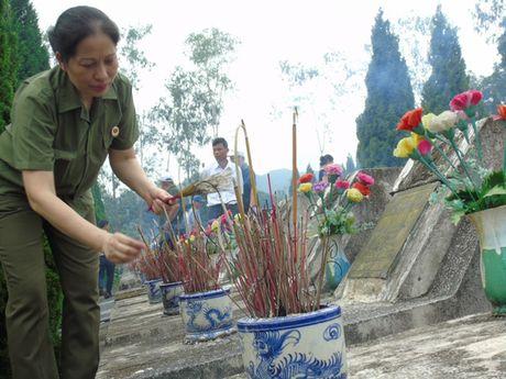 Dam le nghia trang liet si Vi Xuyen ngay gio tran Su 356 - Anh 9